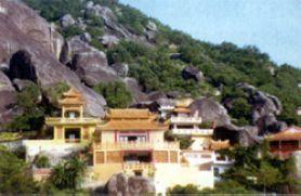 龙泉岩寺庙群