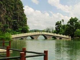龙珠湖风景区
