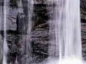 霸陵桥瀑布