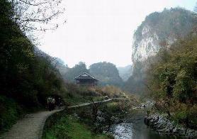 香火岩峡谷风景区