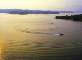 上游湖景区