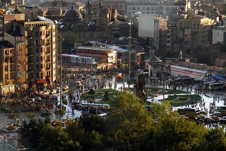 塔克西姆广场(Taksim Square)