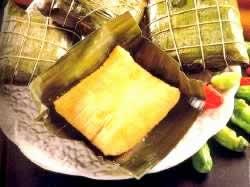"""委内瑞拉的特色传统食品 -""""玉米饼""""和""""芭蕉粽"""""""