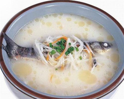 美味鲫鱼汤